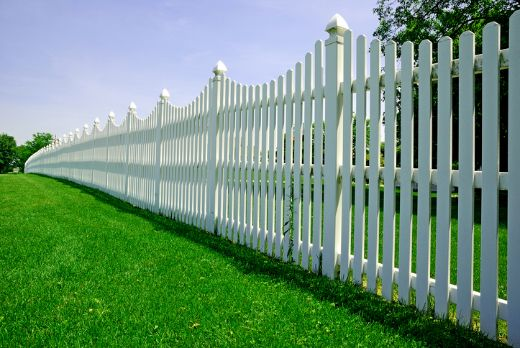 extended picket fencing with artificial grass at cairns carpenters